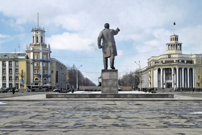 The Sovetov square
